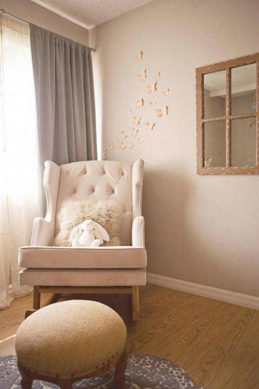 peach-and-grey-nursery-for-a-baby-girl-7-524x786